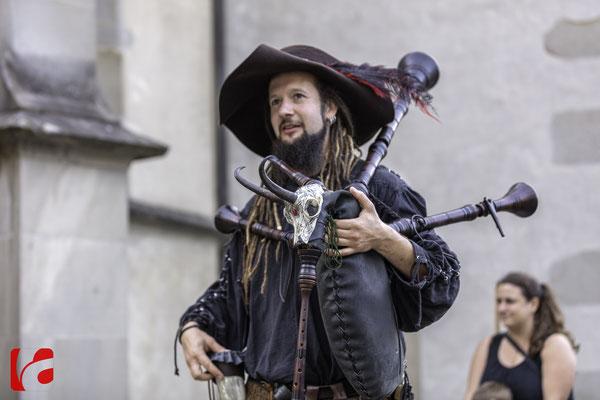 Mittelalterfest Zug 2019, Meril, am Dudelsack: Simon Schätti