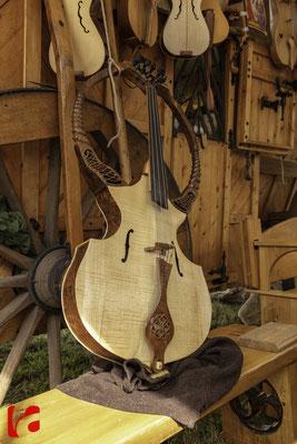 Mittelalterfest Zug 2019, Chrotta, Godefroy Brabant — Musikinstrumentenbauer