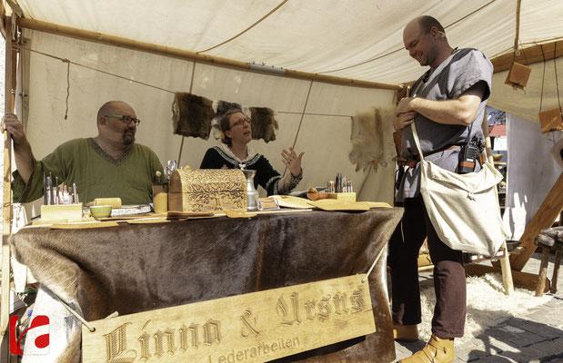 Mittelalterfest Zug 2019, Linna & Ursus, Lederarbeiten