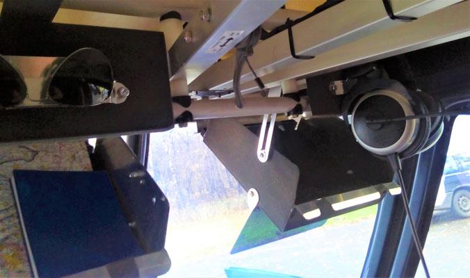 Beide Fächer zum Be- oder Entladen geöffnet, auch im Flug problemlos und ohne Behinderung möglich