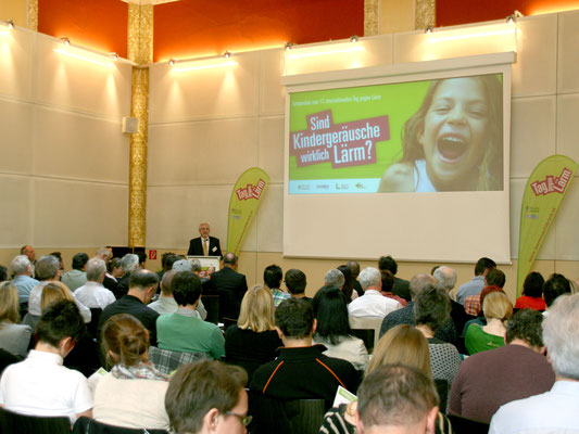 Symposium im Roten Saal