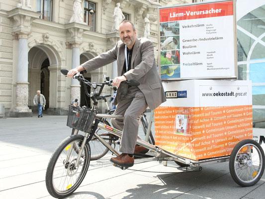 H. Ofner auf Info-Bike der Stadt Graz, Foto: H. Schiffer