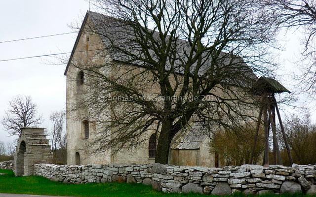 Eglise médiévale fortifiée de Källahamn.