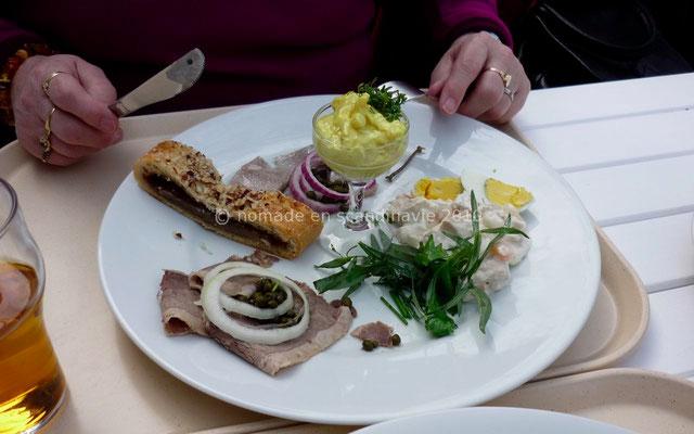 Den Gamle by (la vieille ville), à Aarhus, repas danois