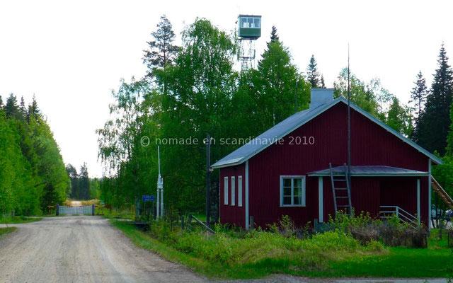 Poste-frontière finlandais à la frontière russe