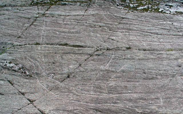 Les gravures rupestres de Bolareinen: le skieur