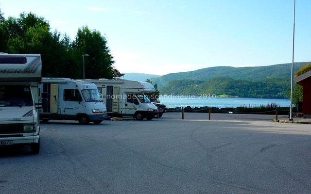 Bivouac sur le parking du ferry