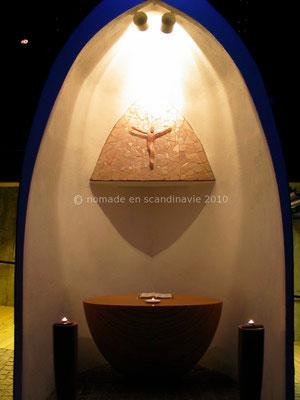 Dans la chapelle souterraine du Cap Nord