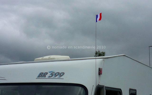 Pour le 14 juillet nous avons hissé les couleurs nationales!