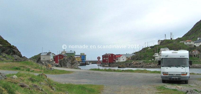 Bivouac à l'entrée de Nyksund.