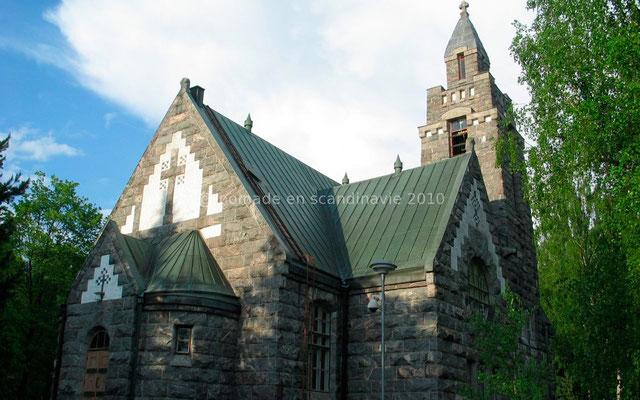 ... près de l'église