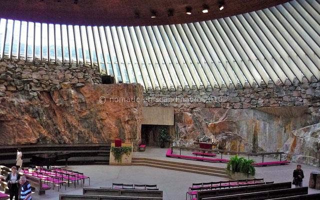 Helsinki, l'église enterrée de Temppeliaukio.