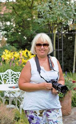 Lisa bei der Objektsuche (Renate Bauer-Zölch)
