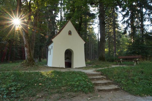 """""""Kapelle im Licht"""" von Renate Bauer-Zölch"""