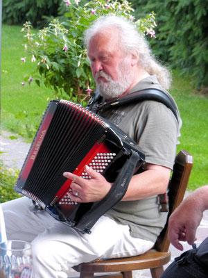unser Mitglied und Musiker Walter (Bernt Halbauer)