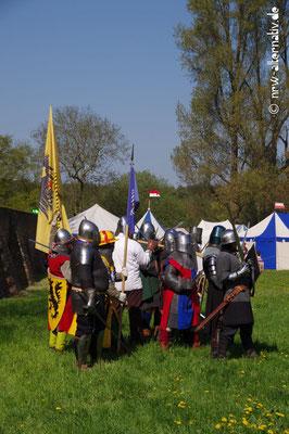 Ritter, holde Maiden und Gesindel in Goch auf dem Mittelaltermarkt über Ostern