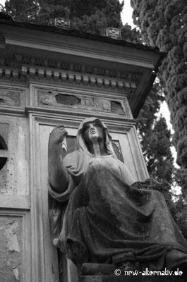 Trauer prunkvoll in Stein gebannt