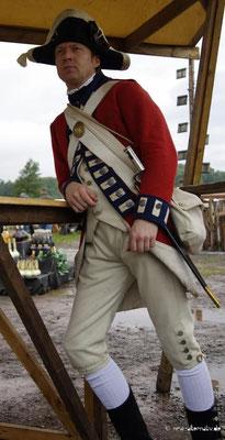Historische Mode legt Wert auf Details. Hier ein Messebesucher.