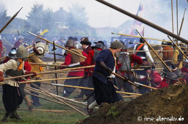 Hauen und Stechen: Pikiniere in der Schlacht um Grolle.