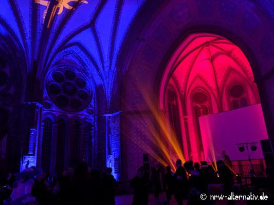 WGT 2019: Dunkelromantischer Tanz in der Heilandskirche