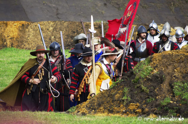 Fahnen spielen seither eine wichtige Rolle bei Schlachten.