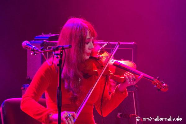 WGT 2019: Musiker auf der Bühne