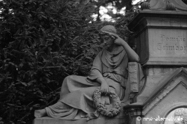 Trauer hat viele Facetten: Impressionen vom Friedhof Melaten in Köln.