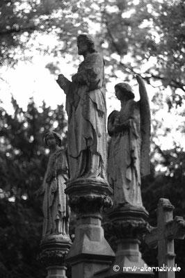 Engel auf dem Friedhof Melaten in Köln.