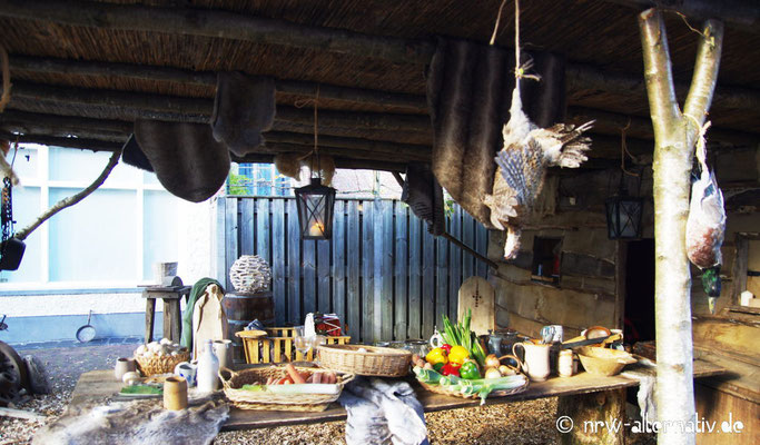In der Stadt stand Essen und Trinken im Mittelpunkt - für Besucher und Darsteller.