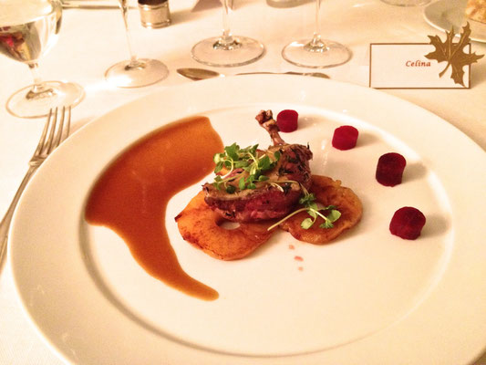 Pigeon with caramelized apples and beats by ZsL