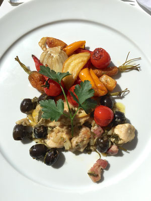Roasted rabbit with vegetables b ZsL