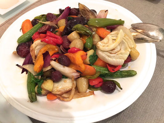 Colorful roasted vegetables with olive oil by ZsL