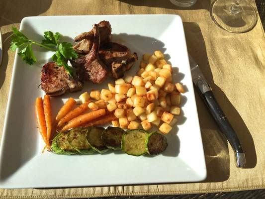 Lamb chops with roasted vegetables by ZsL