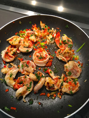 Shrimps on the pan by ZsL