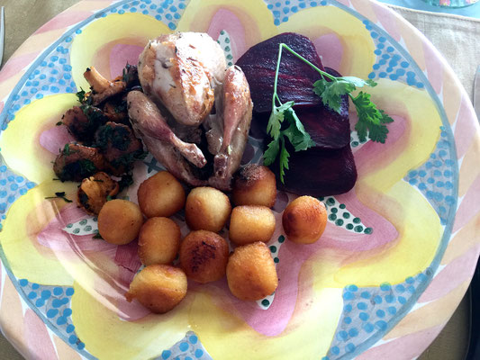 Partridge with potatoes and chanterelles by ZsL
