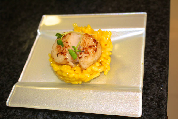 Saffron risotto with sea scallop by ZsL