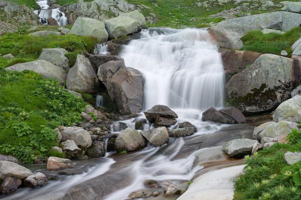 Wasserfall am Grimselpaß I Schweiz