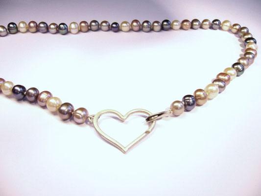 Verkauft: 925/- Sterlingsilberverschluß mit Perlenkette.
