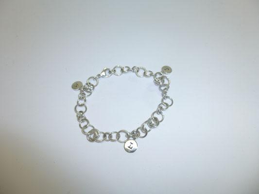 Bettelarmband mit Buchstaben-Charm, Silber