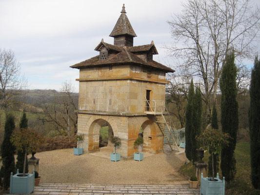 Le pigeonnier ( un des plus beaux de Midi-Pyrénées)