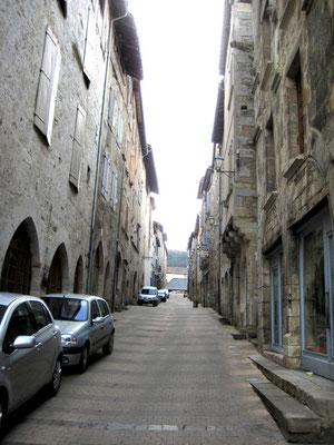 Rue menant à la place des halles