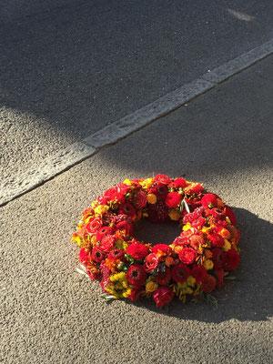Rundumblumenkranz in Herbstfarben