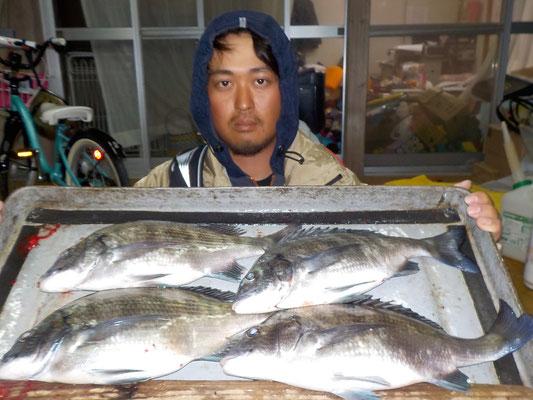 3月5日 磯釣りで吉永さん チヌ、メイタ4匹