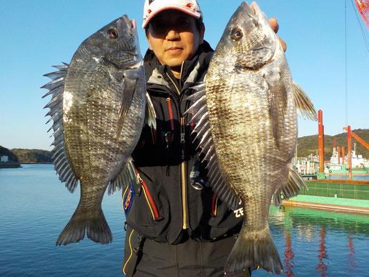 3月4日 磯釣りで中原さん チヌ40㎝前後を2匹