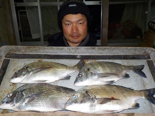 3月3日 磯釣りで高本さん メイタ4匹