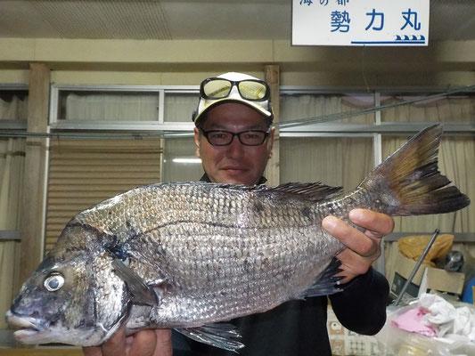 5月6日 磯釣りで辰岡さん ガバチン50.2cm