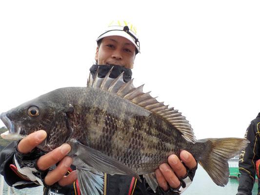 3月5日 磯釣りで水田さん チヌ43.3㎝