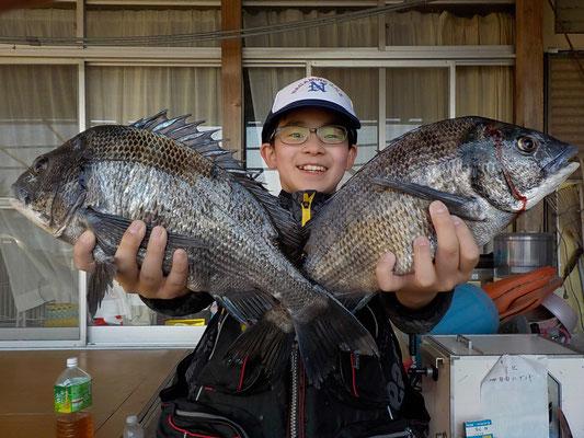 4月4日 磯釣りで一法師さん チヌ40㎝オーバー2匹