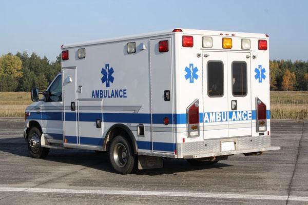 amerikanische Ambulanz Ford E-350