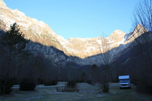 Pyrenäen NP Ordesa,  bei Sonnenaufgang